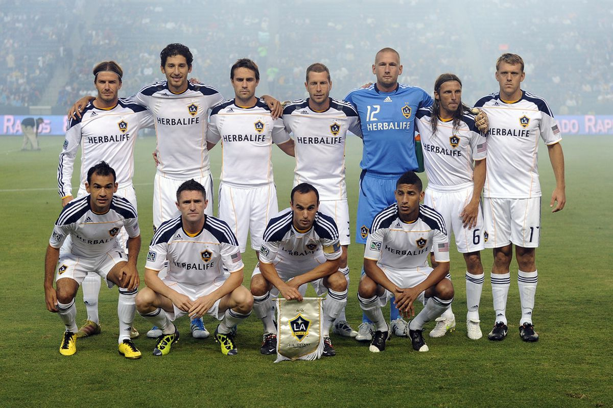 CARSON, CA - AUGUST 20:  The Los Angeles Galaxy team pose for a photo before the game against the San Jose Earthquakes at The Home Depot Center on August 20, 2011 in Carson, California.  (Photo by Harry How/Getty Images)