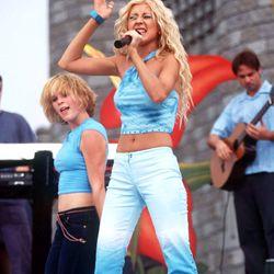 Christina Aguilera, 2000