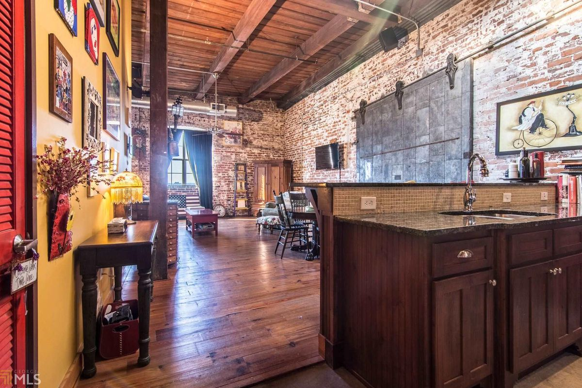 For 245k Downtown Atlanta Loft Is Exercise In Hipster