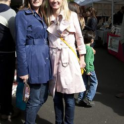 Shannon (left) and Emilie are both wearing Bay Bay jackets.