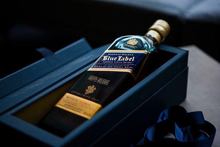 記念日にジョニーウォーカーブルー ウイスキー