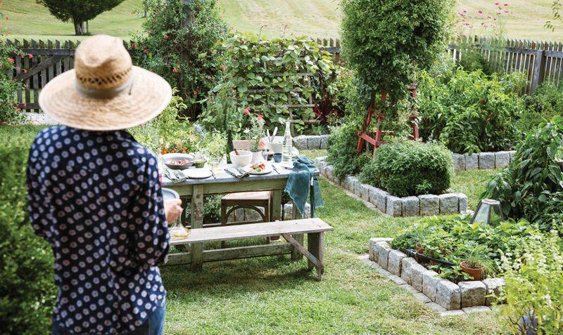 Summer 2021, Landscaping, vegetable and herb garden, garden table, fences, trellises