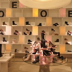 Women's shoes at the SaMoPlace Bloomingdale's