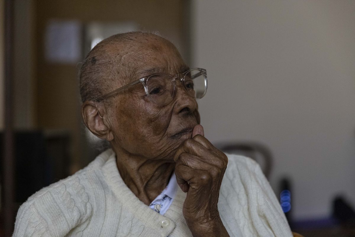 Edith Renfrow Smith recounts her and her family's history at her home in Ravenswood, Friday, June 18, 2021.