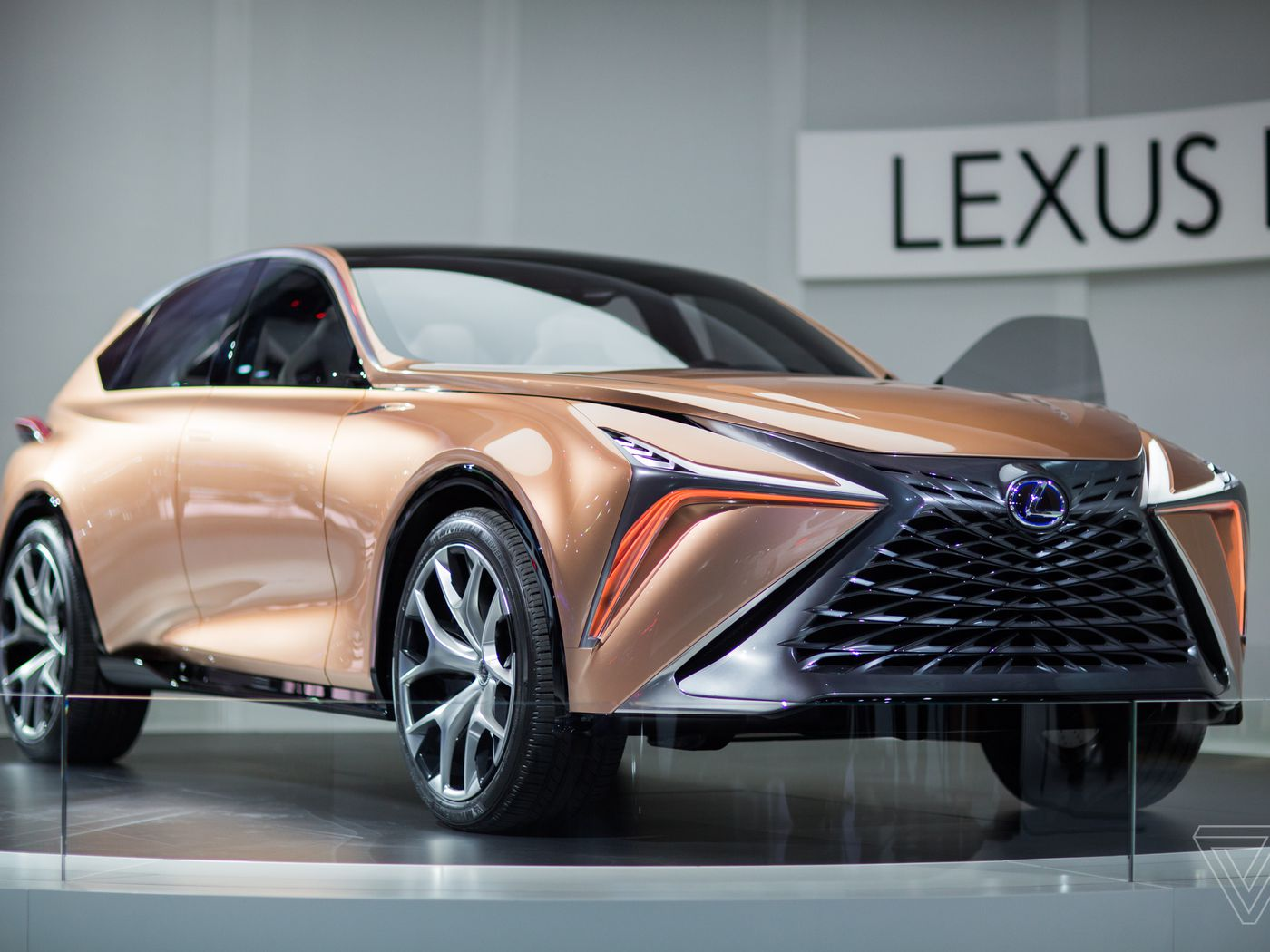 The Lexus Lf 1 Limitless Concept Is A Futuristic Rose Gold Stunner
