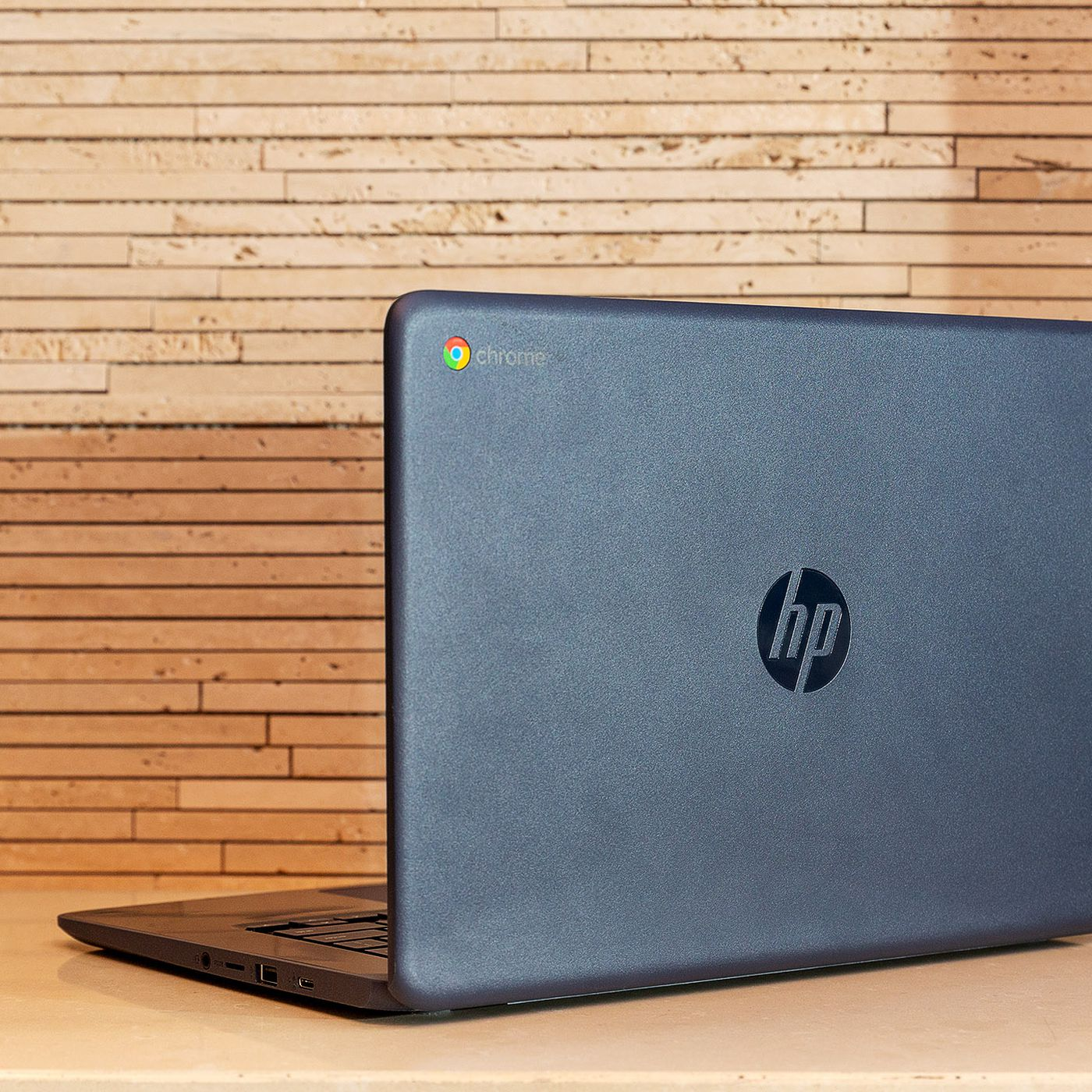 Hp And Acer Unveil World S First Chromebooks With Amd Processors The Verge