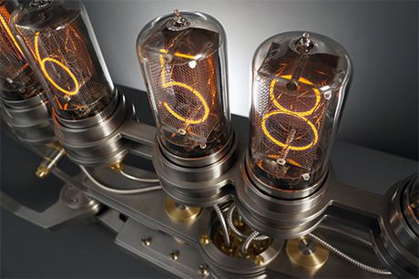 This spider-shaped Nixie tube clock will kill you probably