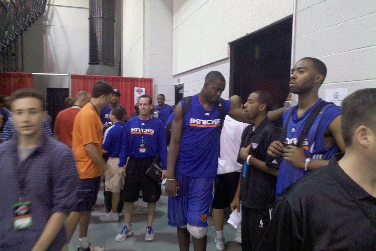 Eric Boateng in a New York Knicks uniform. (Photo by SB Nation Arizona)