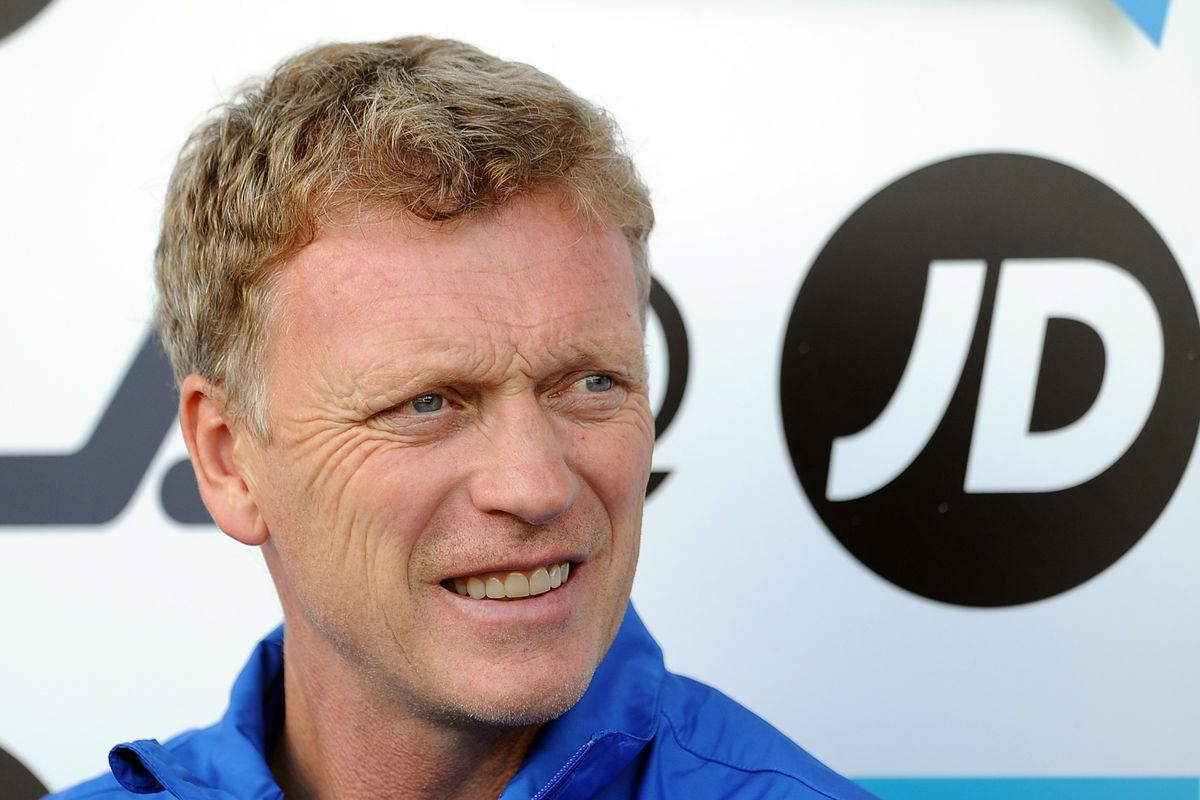 BLACKPOOL, ENGLAND - AUGUST 05:  Everton manager David Moyes looks on during the pre-season Friendly match between Blackpool and Everton at Bloomfield Road on August 5, 2012 in Blackpool, England.  (Photo by Chris Brunskill/Getty Images)