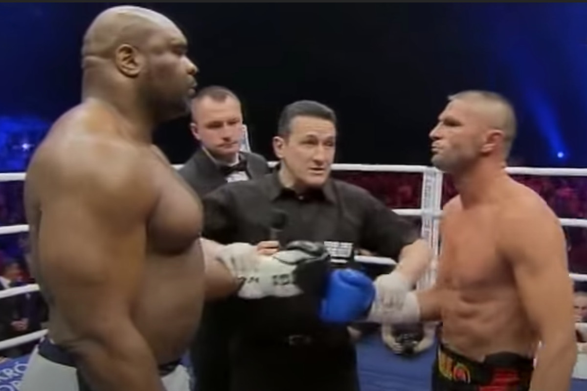 'The Beast' Bob Sapp in one of his legendary open-weight bouts.