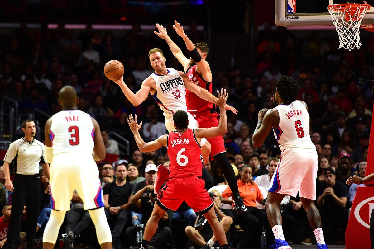 Clippers to face Raptors in Hawaii in pair of preseason games