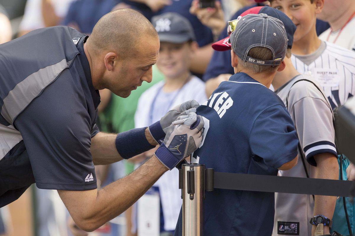 New York Yankees shortstop Derek Jeter tops most-popular MLB jersey sales 1c3fe2f4f