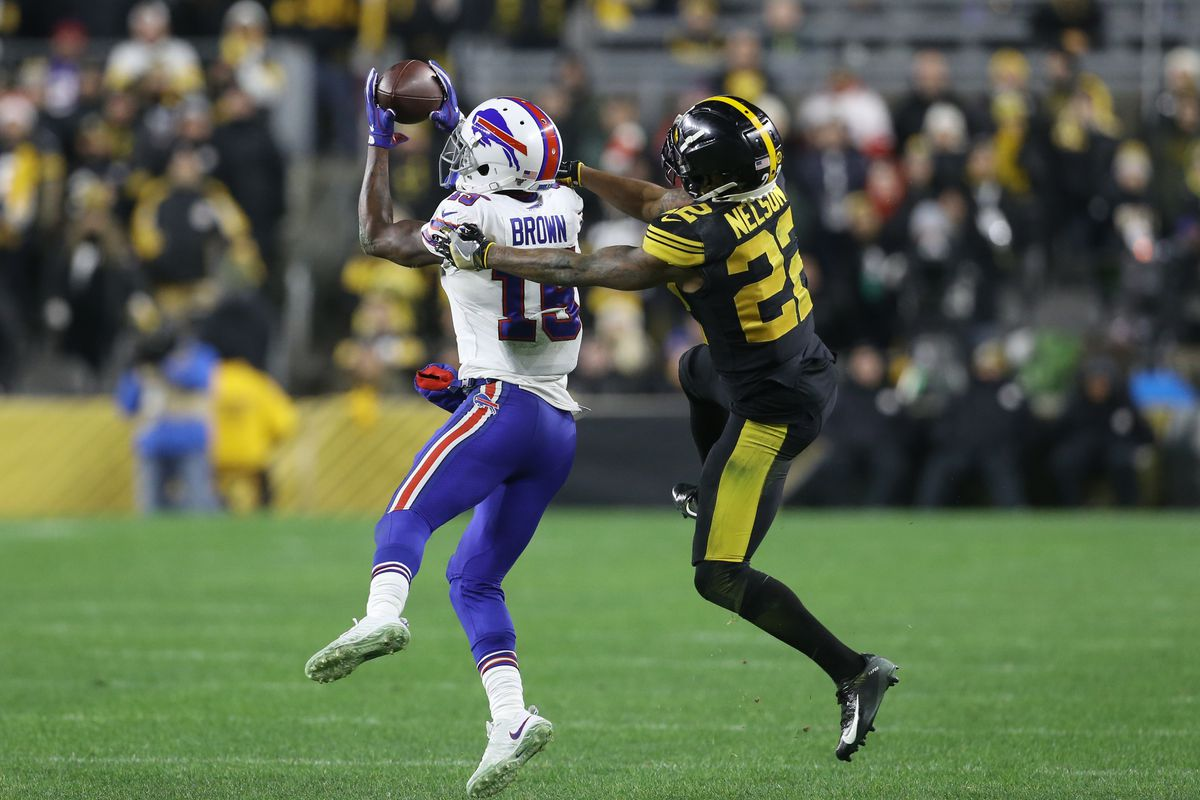 Buffalo Bills wide receiver John Brown makes a catch in front of Pittsburgh Steelers cornerback Steven Nelson during the fourth quarter at Heinz Field