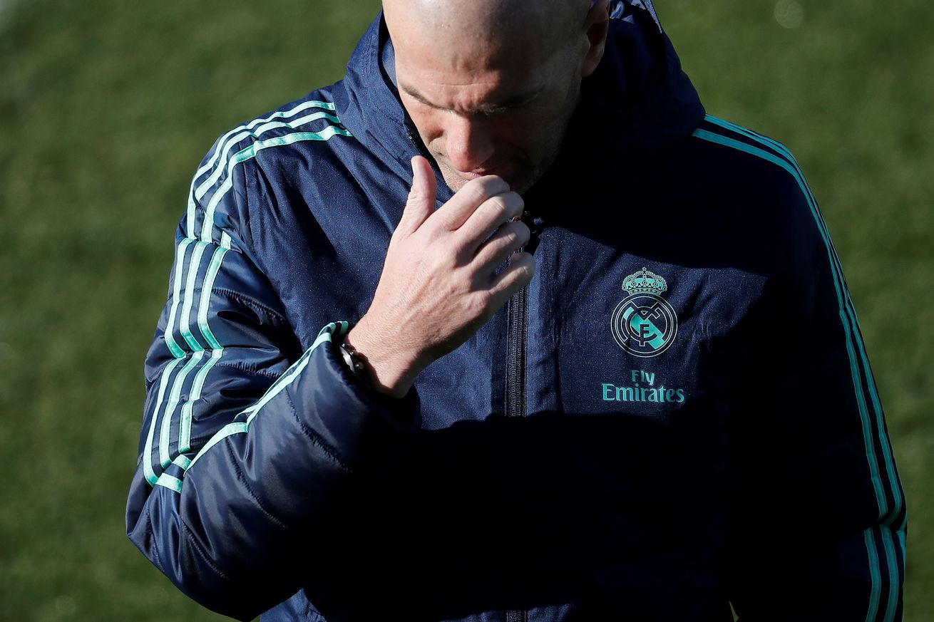 Training: Gareth Bale Works Behind Closed Doors
