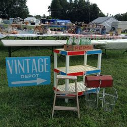 Everything to Know About the US\'s 690-Mile-Long Yard Sale ...