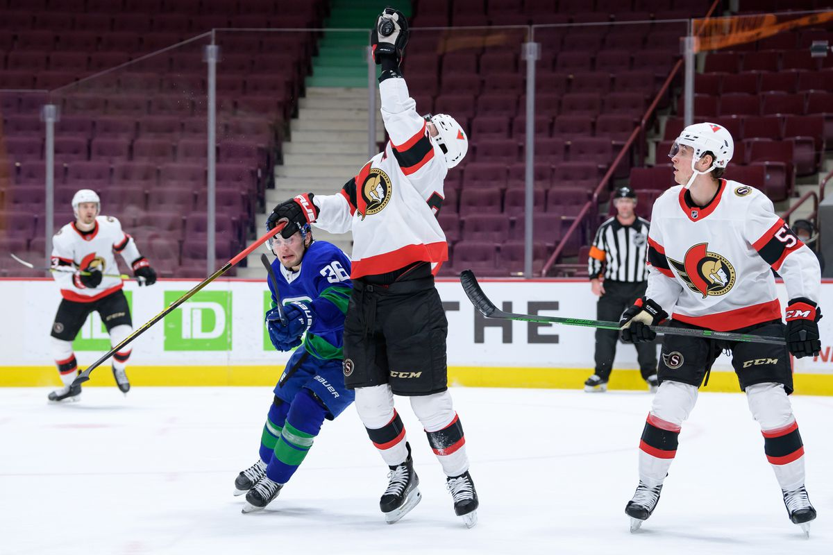 NHL: APR 24 Senators at Canucks