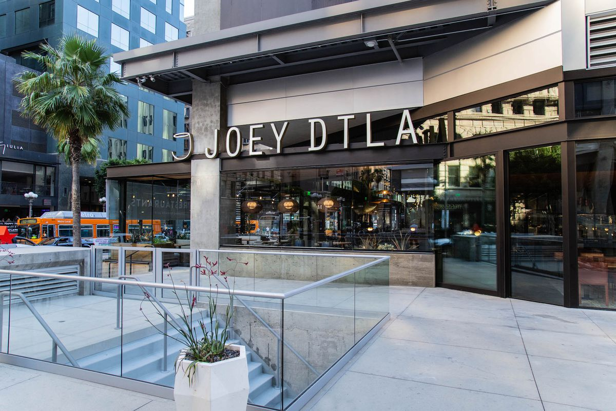 Downtown Dinner Spot Joey Promises Casual Time At The Bloc