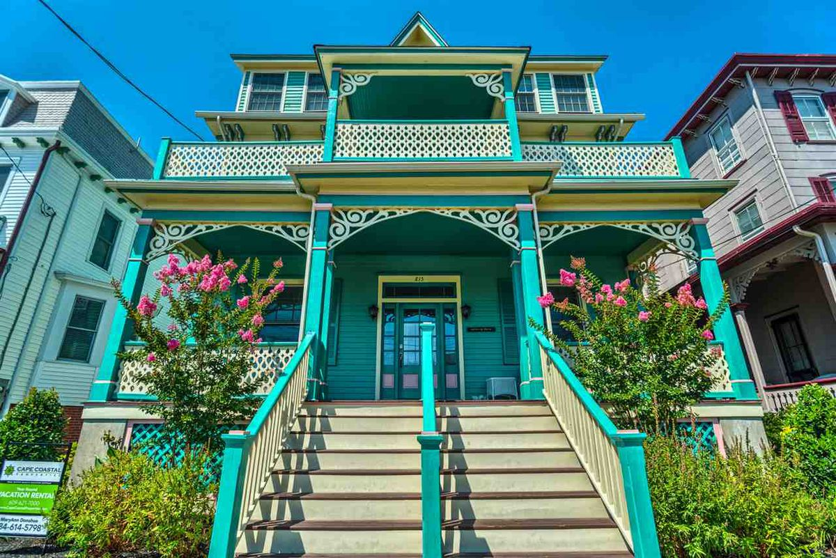 Awe Inspiring 5 Historic Victorian Homes For Sale In Cape May Curbed Philly Home Interior And Landscaping Mentranervesignezvosmurscom