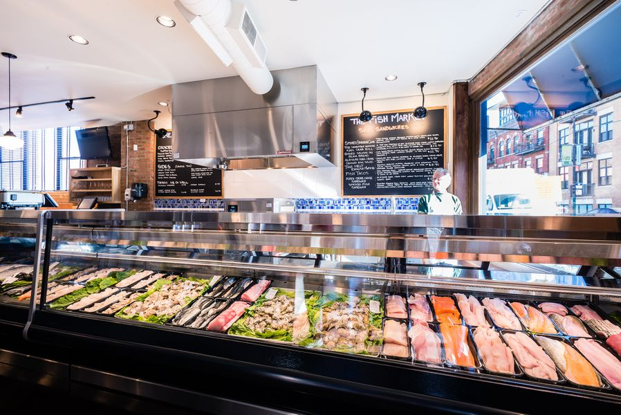 Fahlstrom 39 s fresh fish market lands ashore in lakeview for Fish market chicago