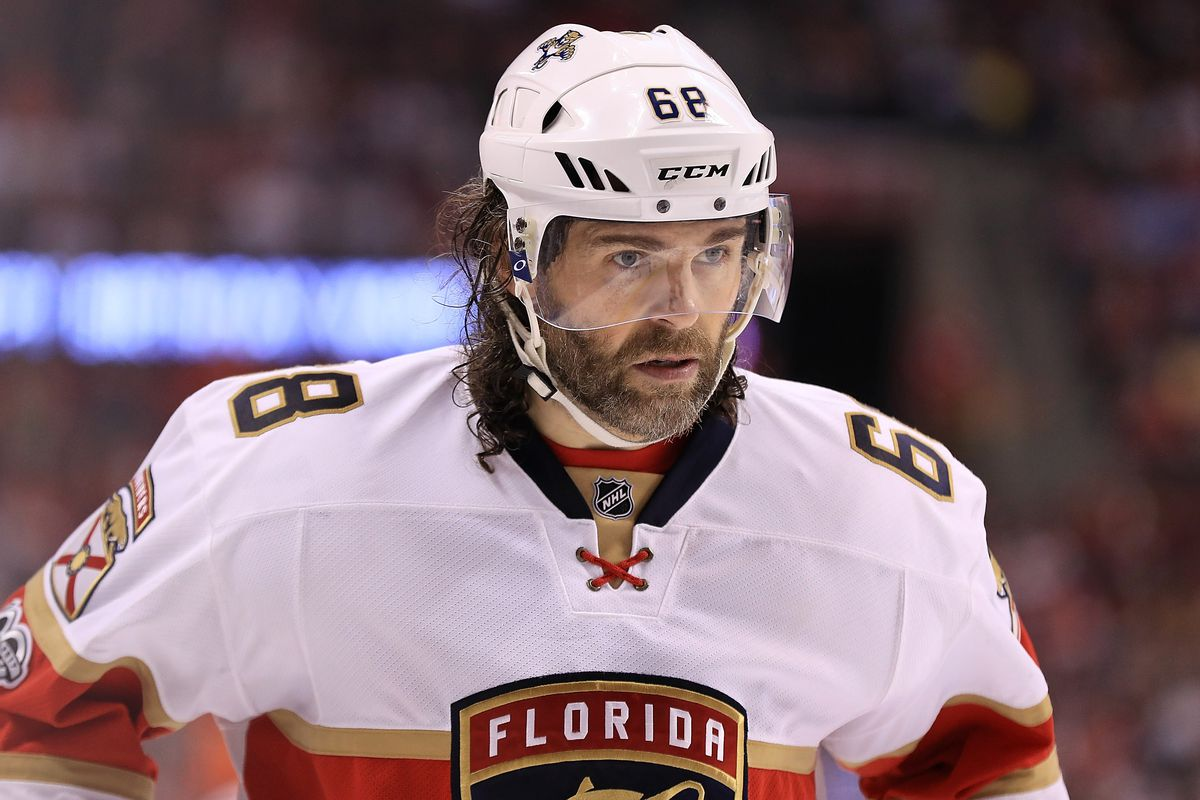 e362af5aa39 Jaromir Jagr will play for Czech team he co-owns while waiting for NHL offer