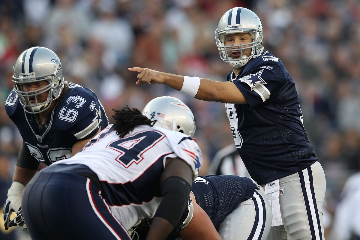Tony Romo faces off against the Patriots in 2011 (Pats 20-16)