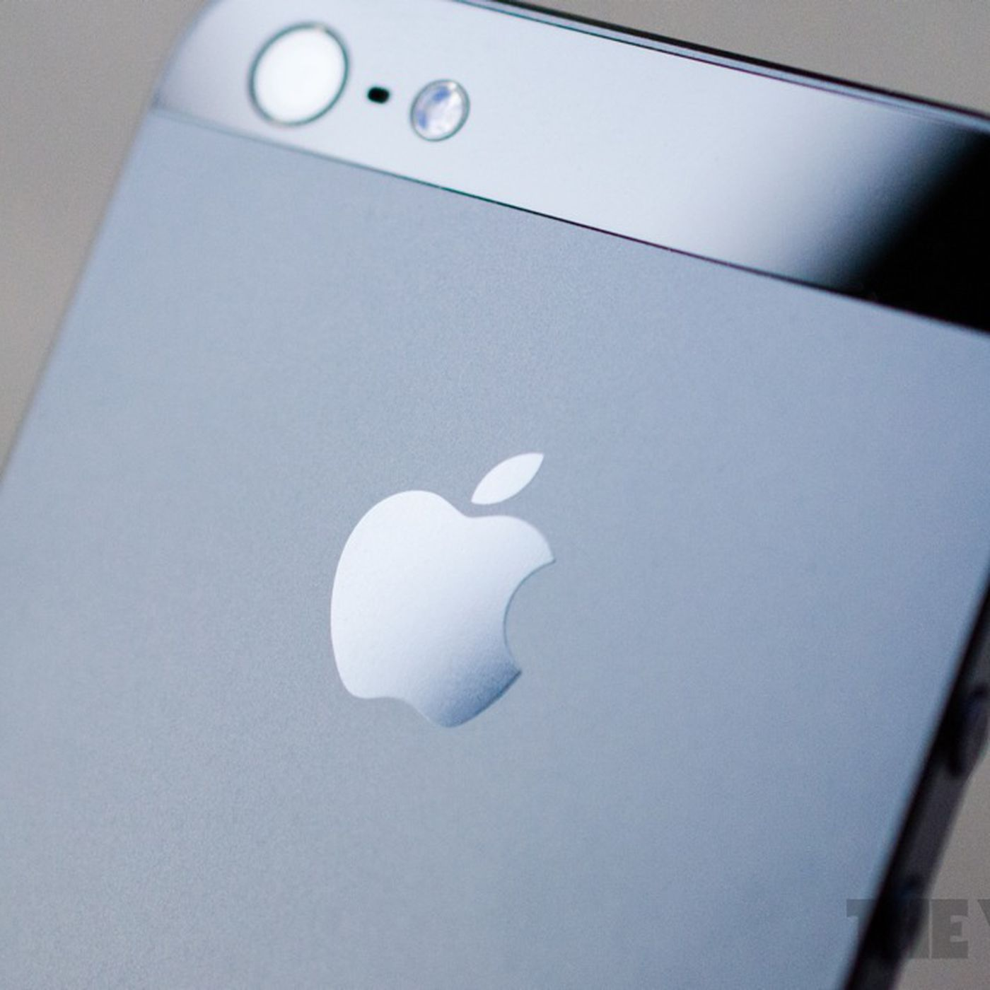 Walmart and Straight Talk to offer prepaid iPhone 4 and 5