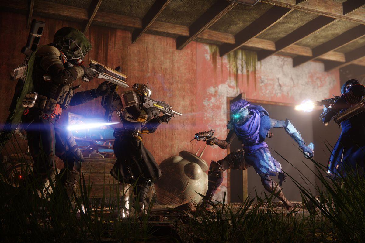 Destiny 2 - three Guardians fighting a Fallen Dreg in the European Dead Zone