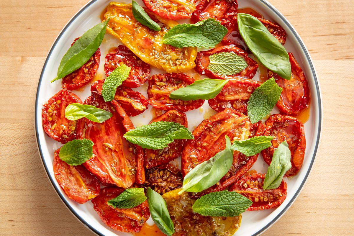 Slow-roasted tomatoes, hot honey, coriander, fennel seed