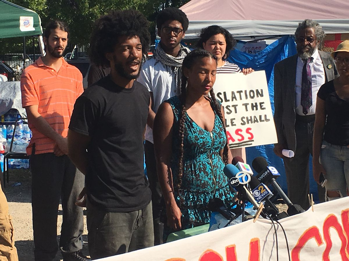 Damon Williams (left) and Kristiana Colon, co-directors of the Let Us Breath campaign, said police are not a marginalized population and therefore do not need the protections under the ordinance. | Jacob Wittich/Sun-Times