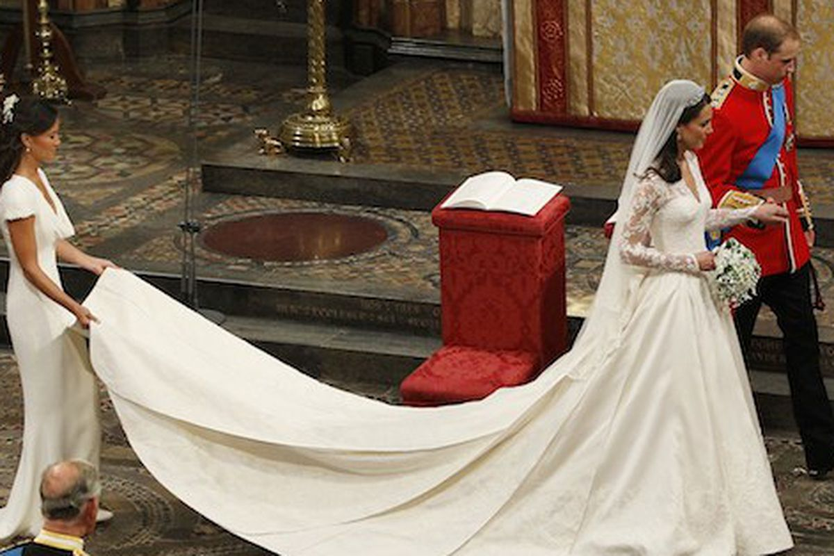Kate Middleton\'s Alexander McQueen Wedding Gown Will be on Display ...