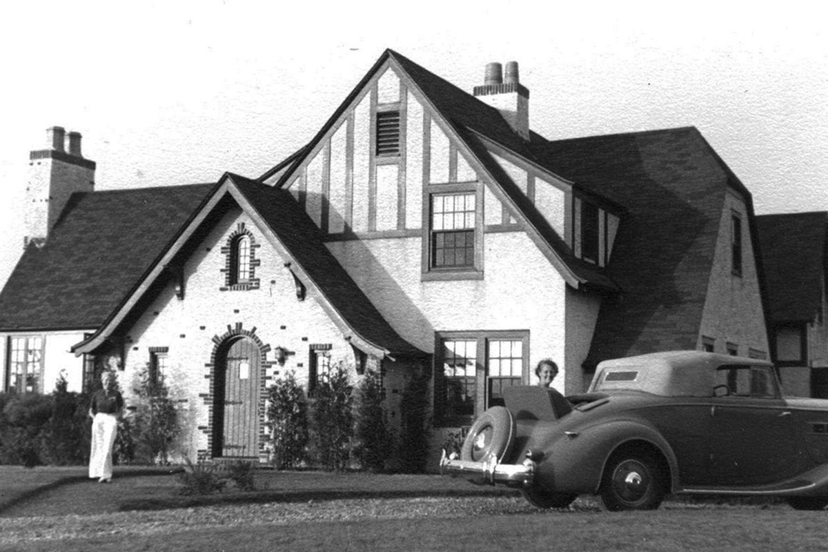 The Harry Bruno home, one of Carl Fisher's Montauk projects. Photo copyright Montauk Library.