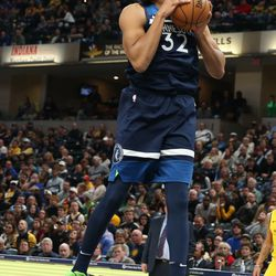 C:  Karl-Anthony Towns <br>