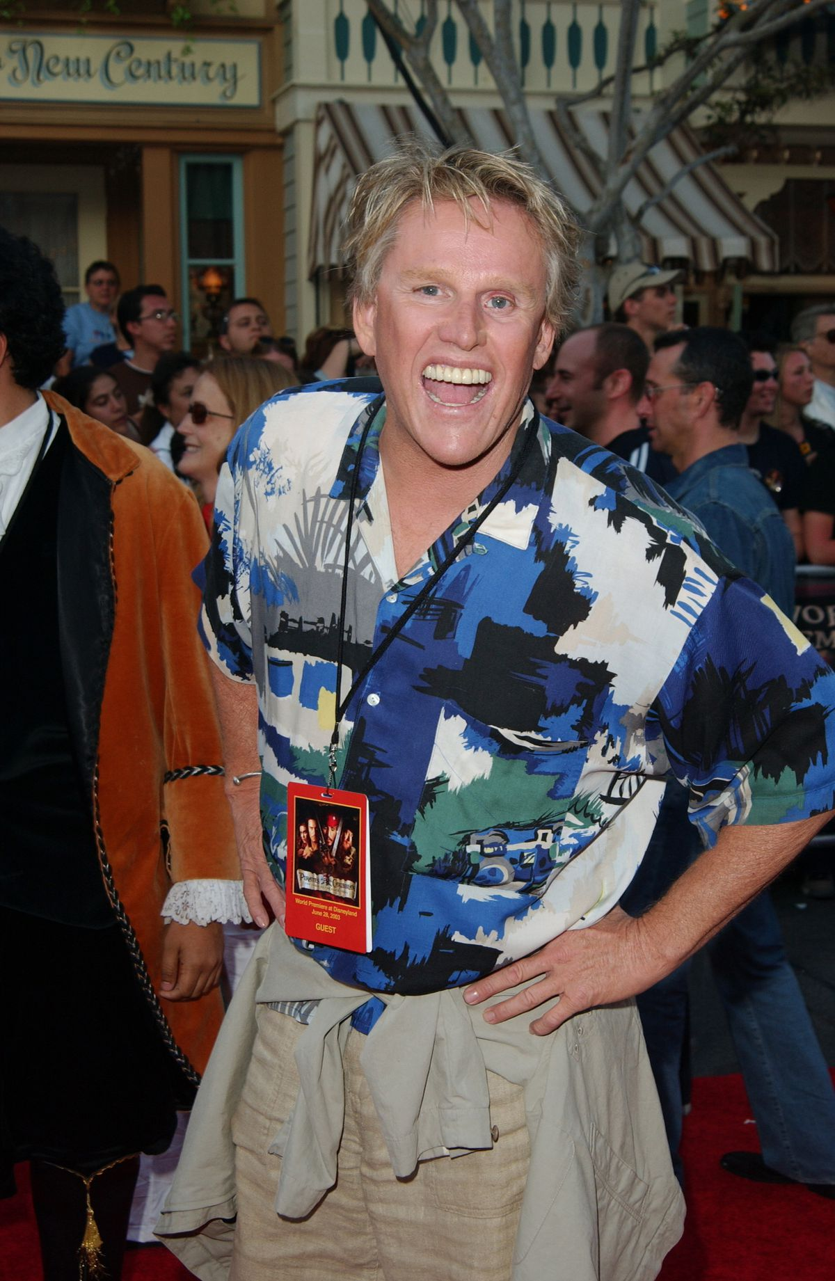 Gary Busey loving every second of the Pirates of the Caribbean premiere