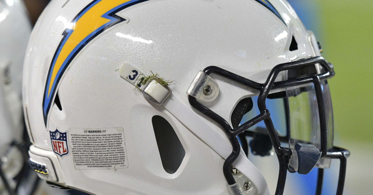 Chargers Sign Two Following Rookie Minicamp Bolts From