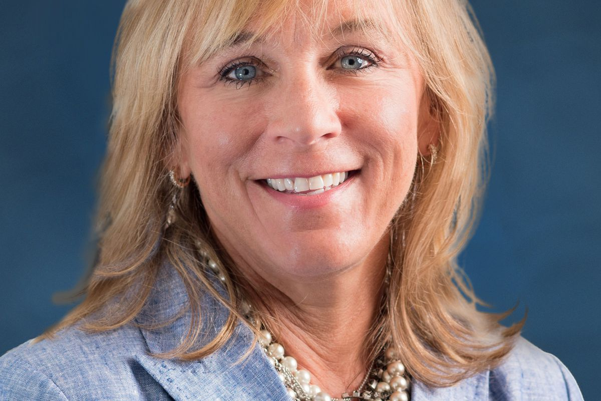 Deneece Huftalin, president of Salt Lake Community College, is the recipient of the 2017 ATHENA Leadership Award presented annually to an active member of the Salt Lake Chamber who demonstrates excellence, creativity and initiative in business.