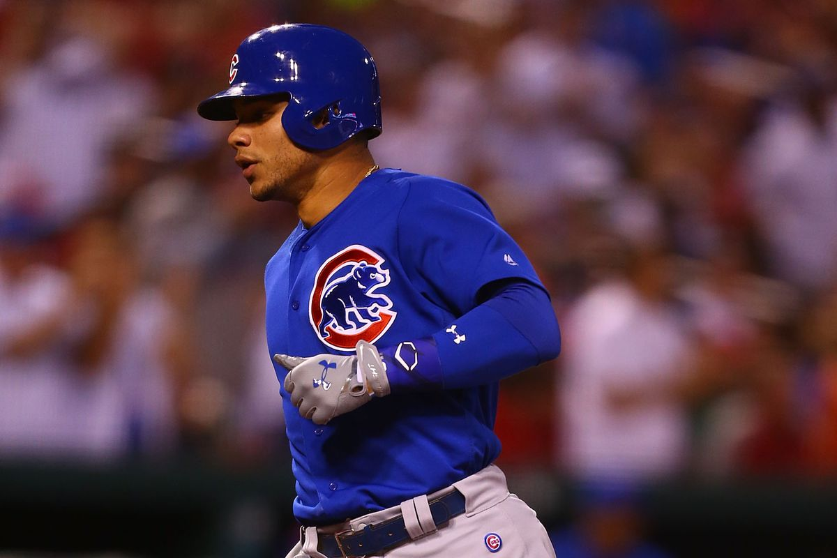 ST. LOUIS, MO - MAY 12: Willson Contreras #40 of the Chicago Cubs crosses home plate after hitting his second home run of the game against the St. Louis Cardinals in the fourth inning at Busch Stadium on May 12, 2017 in St. Louis, Missouri.  (Photo by Dilip Vishwanat/Getty Images)