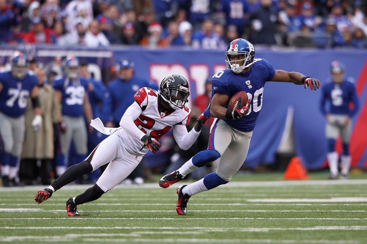 This stuff happens a lot with Victor Cruz. (Photo by Nick Laham/Getty Images)