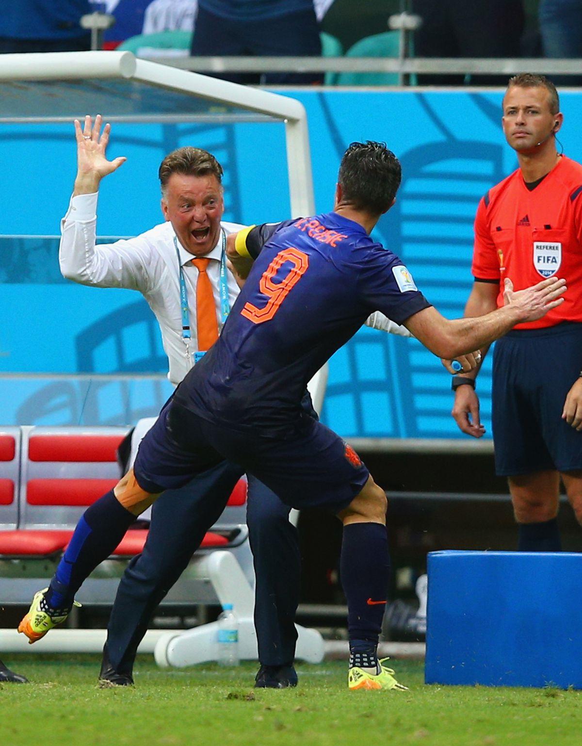 Spain v Netherlands: Group B - 2014 FIFA World Cup Brazil