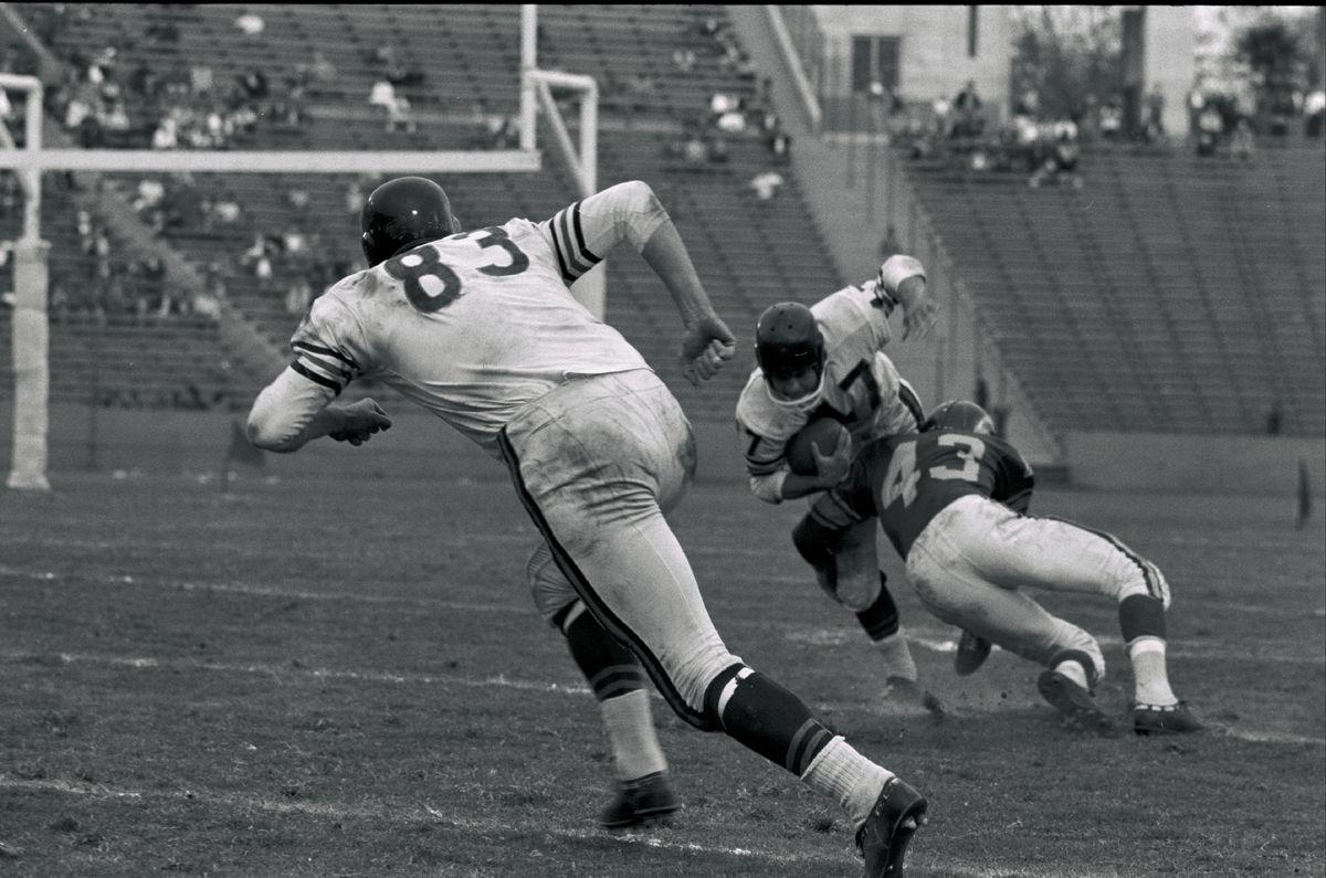 1959-Chicago Bears at Los Angeles Rams Football - Los Angeles Memorial Coliseum.