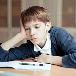 Some experts argue overemphasis on reading and math tests is to blame for narrowing of content curriculum, reducing motivation to learn and breadth of knowledge.