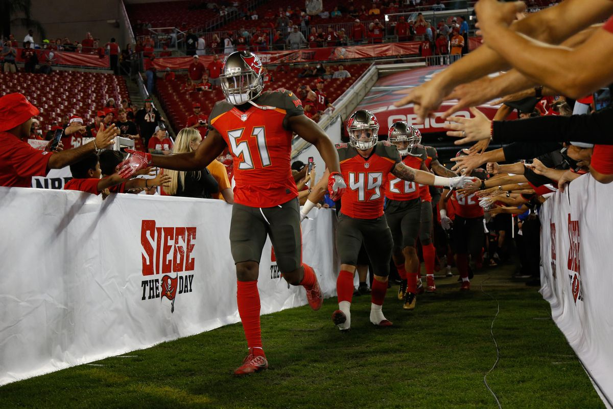 new product 5d9db 49738 Buccaneers' Kendell Beckwith out for 2019 season, career ...