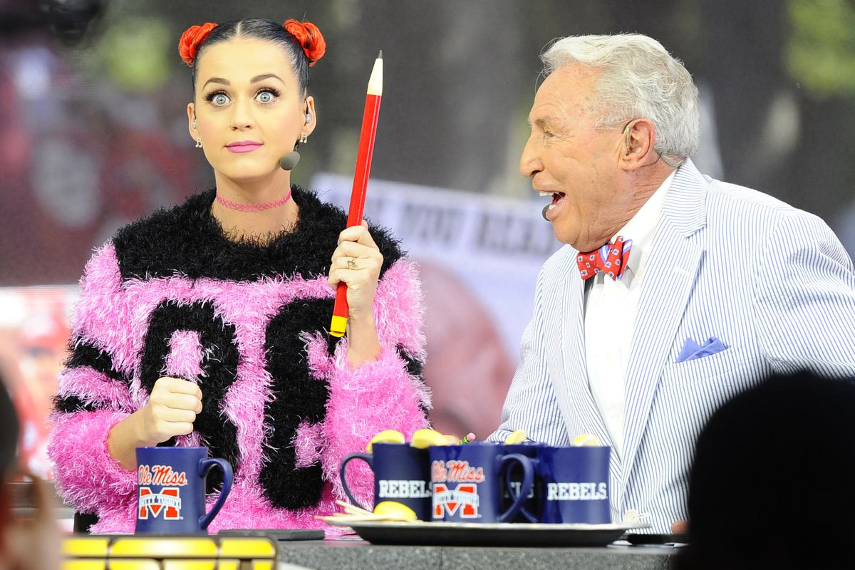 Yes, you can bet on what Katy Perry will be wearing Sunday during the halftime show