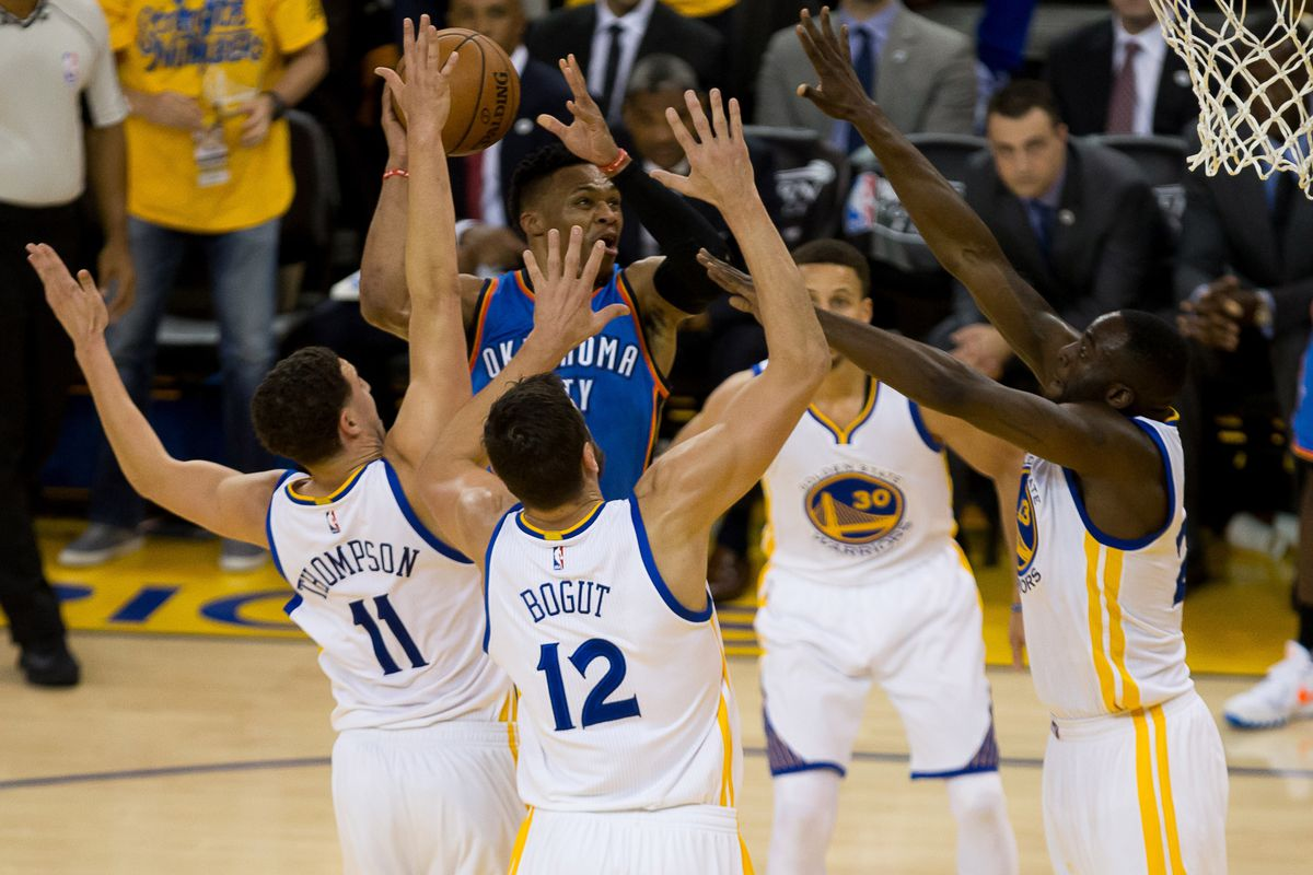 A host of Warriors defenders make life difficult for Oklahoma City.