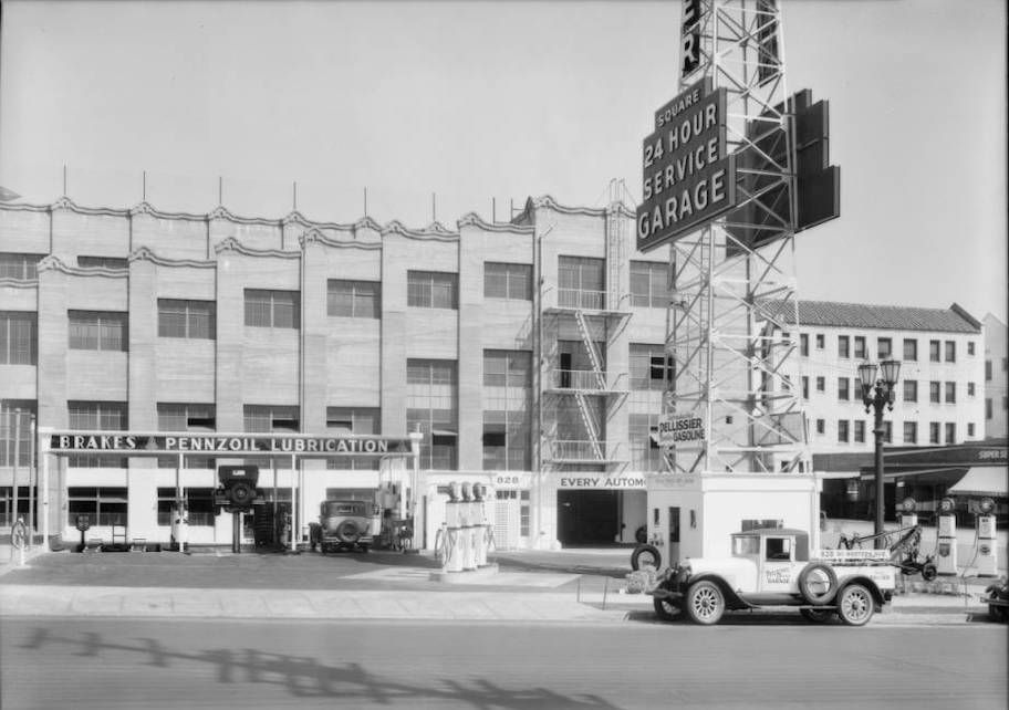 Pellissier Square Garage, photographed in 1931.
