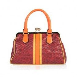 """Connie multicolor clip <a href=""""http://www.aftershockplc.us/all-new-in/connie.html"""">bag</a>, $120"""