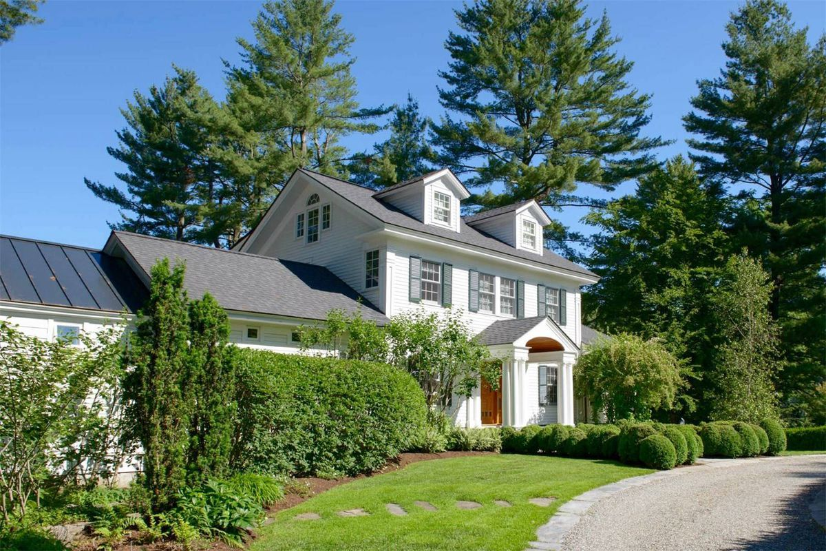 Renovated arts and crafts home with pond views wants 3 6m for Craftsman style homes for sale in nh