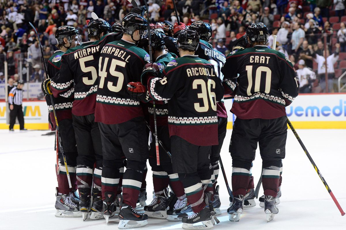 What jerseys will the Arizona Coyotes be wearing in 2015-16  - Five ... c51b0f1e9