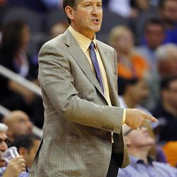 Phoenix Suns head coach Jeff Hornacek calls a play against the Utah Jazz during the first half of an NBA basketball game Friday, Nov. 1, 2013, in Phoenix.