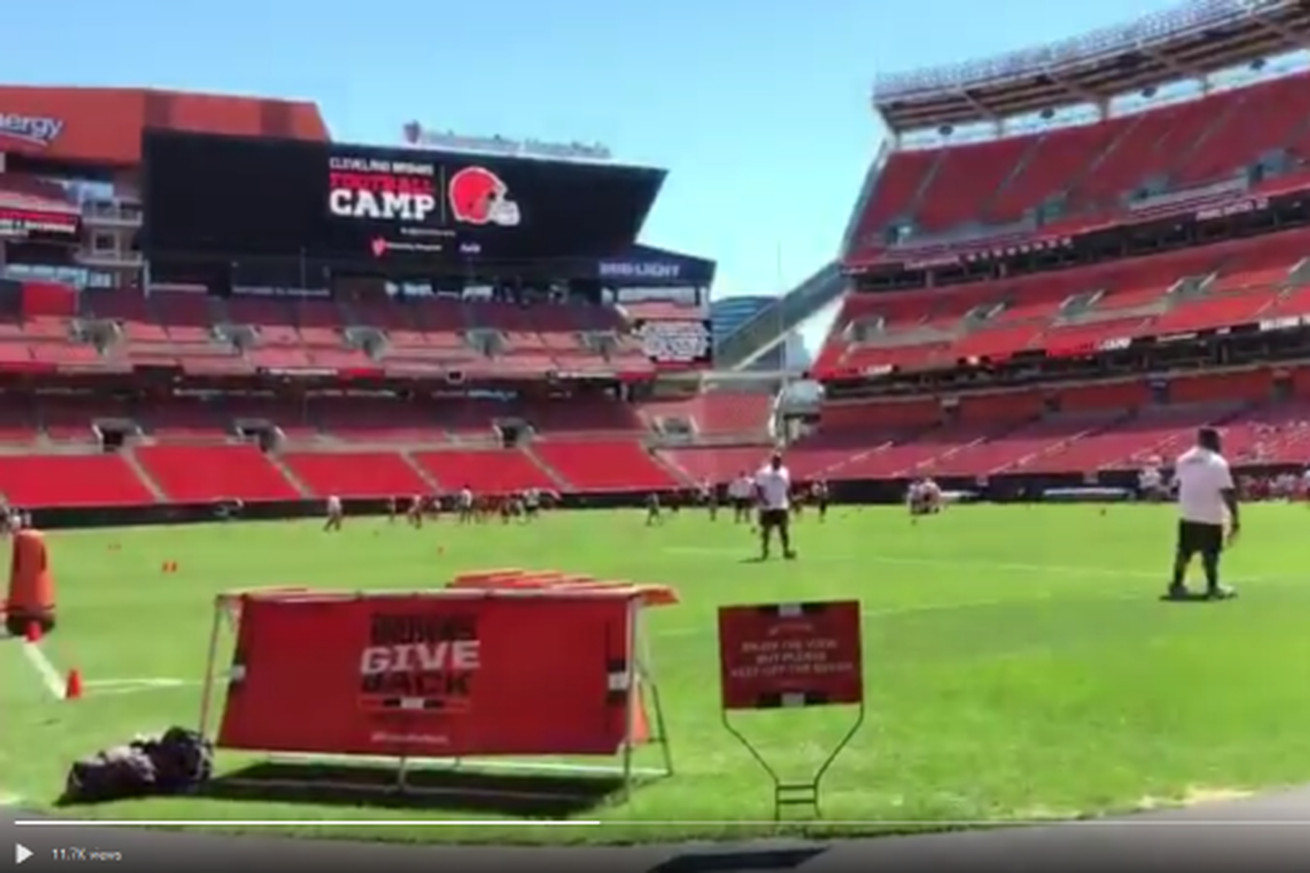 Browns' rookies take part in youth football camp before summer break