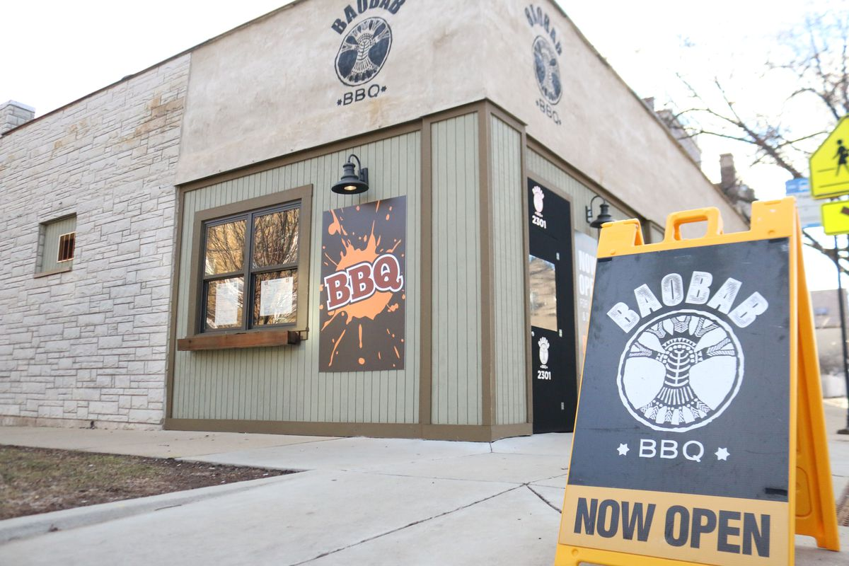 Baobab BBQ restaurant at the border of Lincoln Square, Bowmanville and Ravenswood.  Brian Rich/Sun-Times